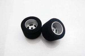 H&R HR1203 27 x 16 mm Fish Foam Tires w/Wheels 1/8th Axle