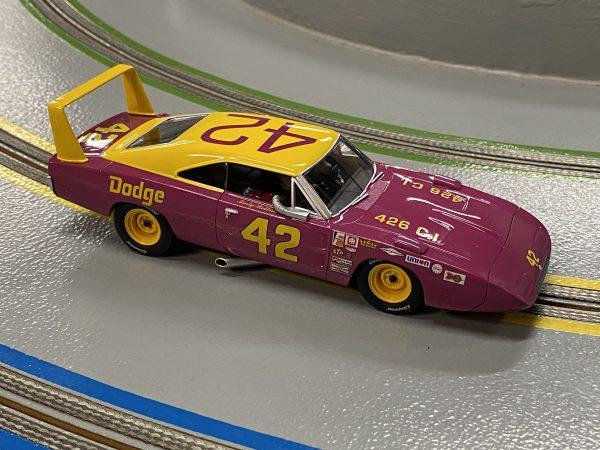 Carrera 27638 Dodge Charger Daytona Marty Robbins No.42 Evolution 132 20027638